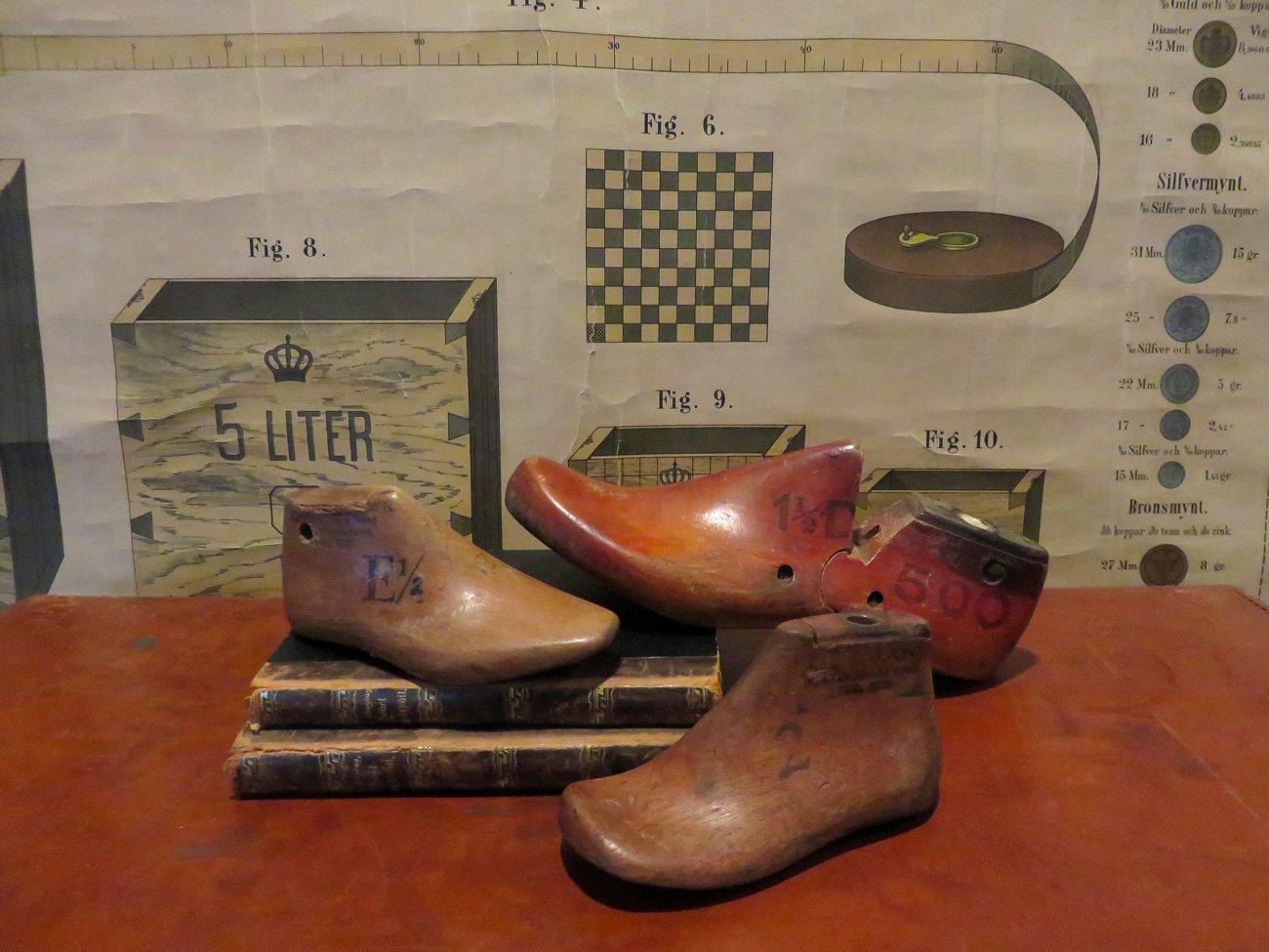 vintage wood shoe molds